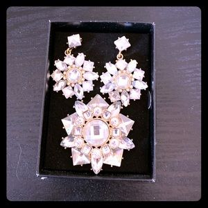 Jewelry - Earrings and Brooch Set